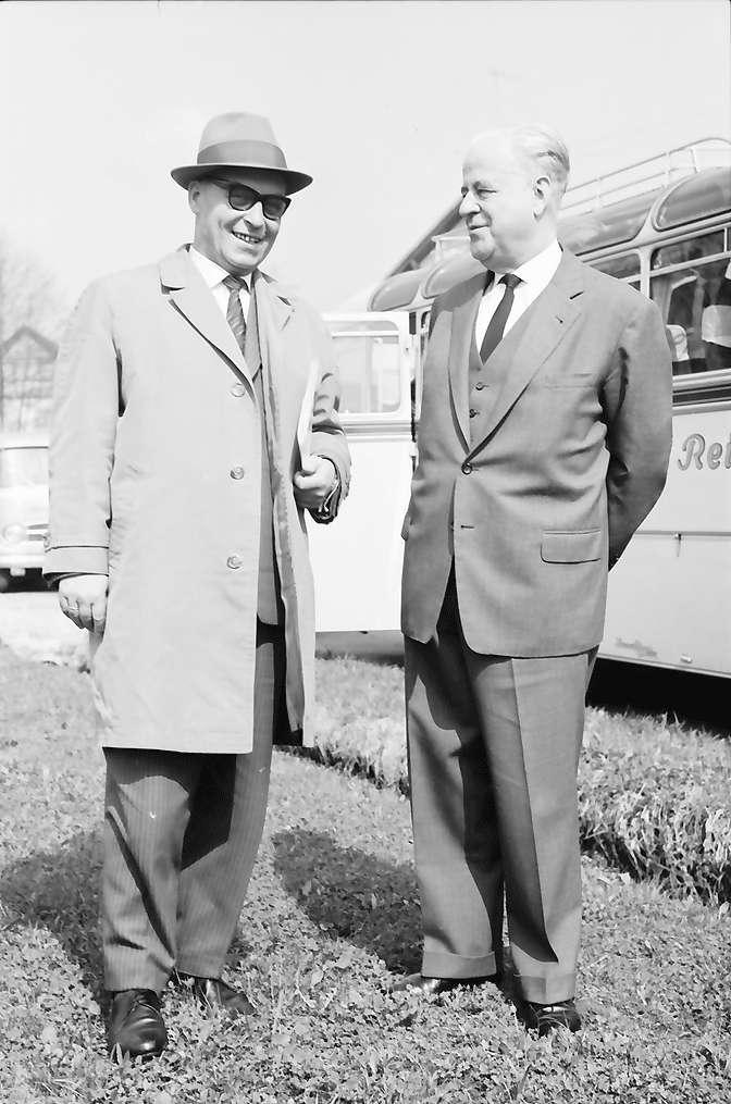 Hottingen: Minister Dr. Leuze und Landrat von Säckingen, Bischoff, Bild 1