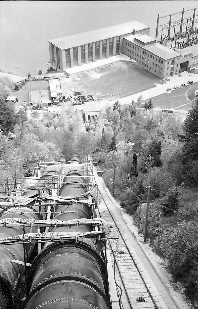 Häusern: Blick vom [...] auf Kraftwerk, Bild 1