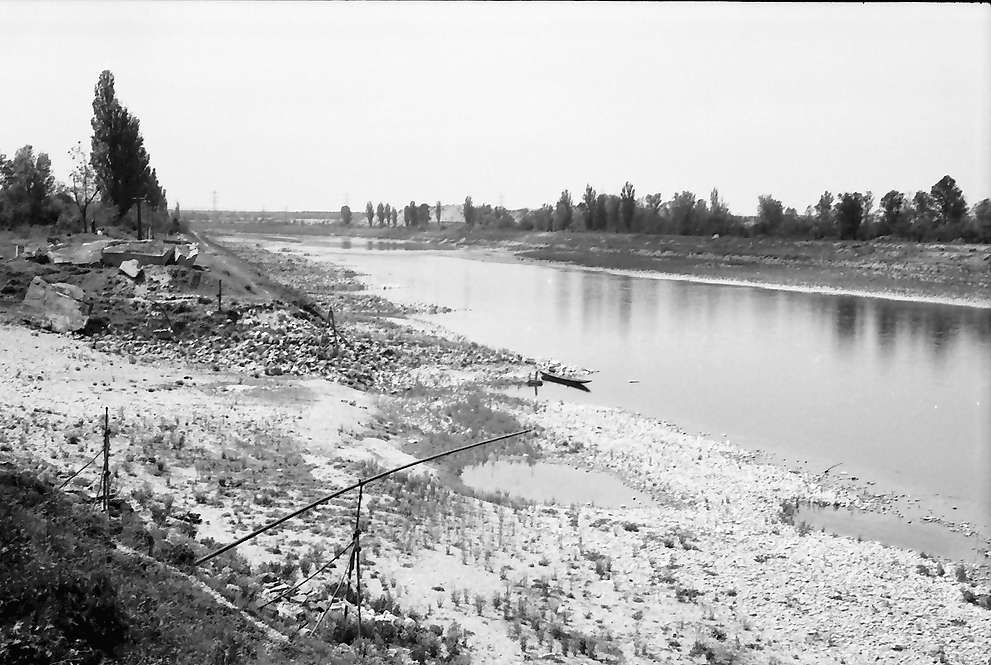 Rheinweiler: Ausgetrocknetes Rheinbett, Bild 1