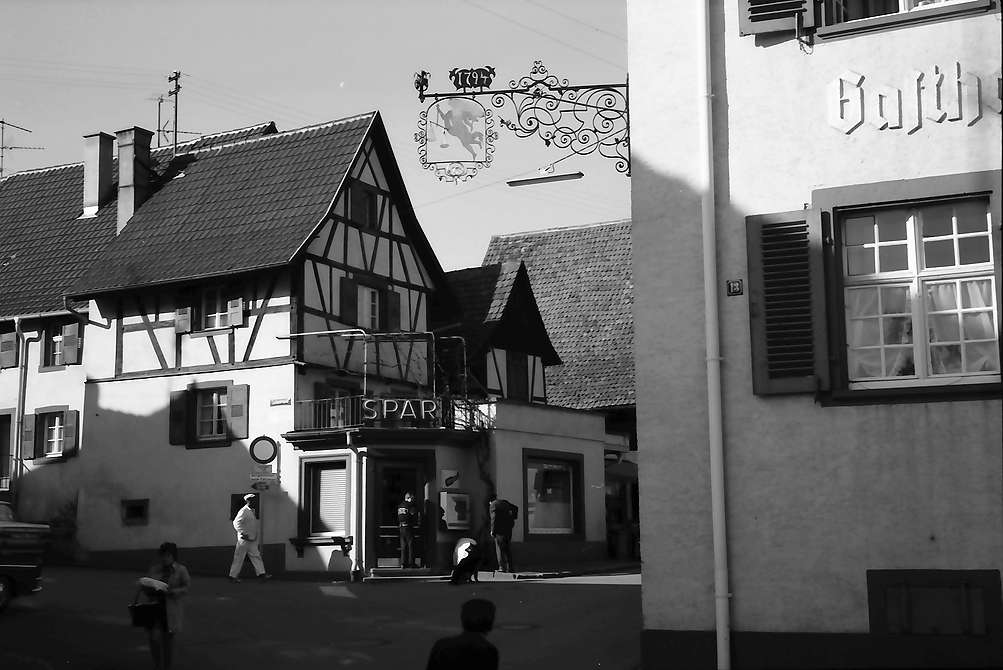 Lörrach, Tumringen: Aushängeschild am Vogtshaus, Bild 1