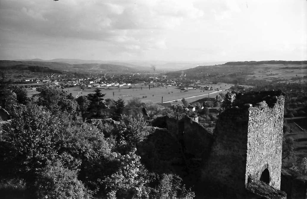 Rötteln: Blick von der Burg auf Lörrach, Bild 1