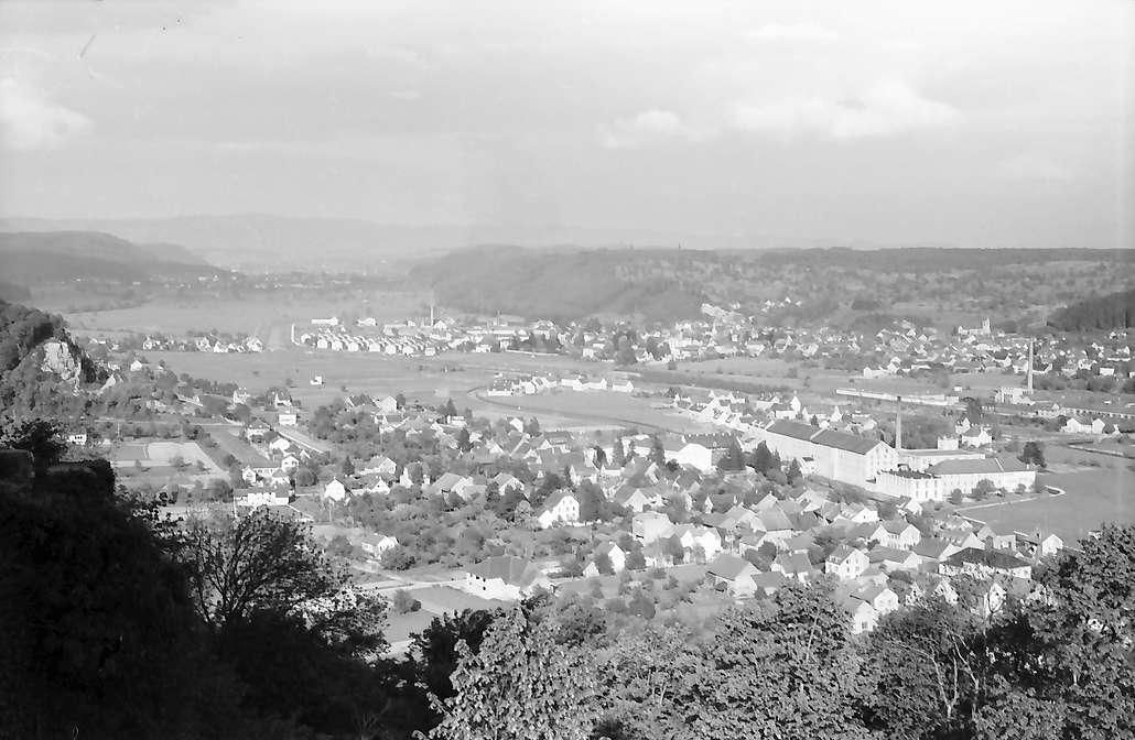 Rötteln: Blick von der Burg ins Wiesental, Bild 1