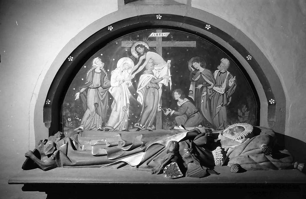 Rötteln: Gruft mit Figuren in der Kirche, Bild 1
