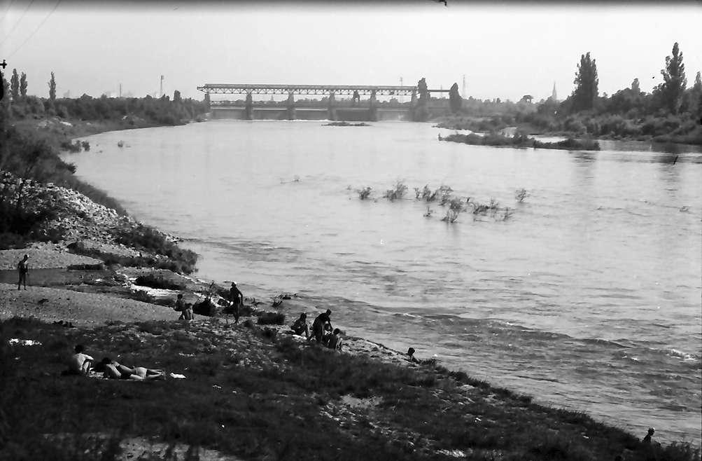 Eimeldingen: Kandermündung und Rhein mit Wehr bei Märkt, Bild 1