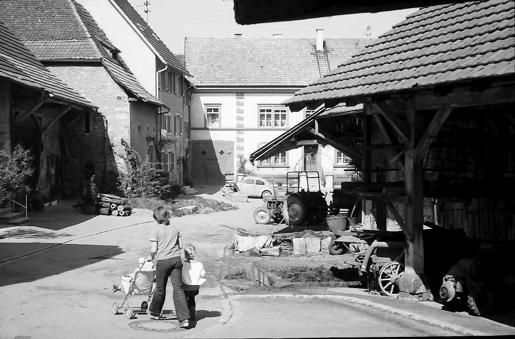 Lörrach, Tüllingen: Dorfidylle, Bild 1