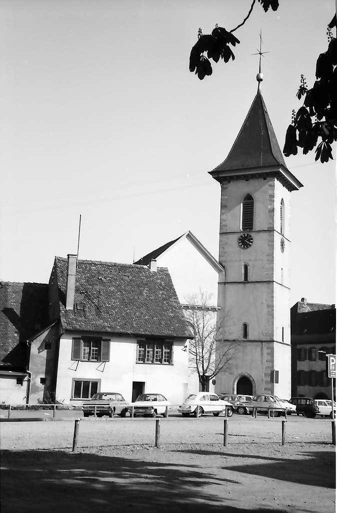 Lörrach, Tüllingen: Stadtkirche und altes Burghaus, Bild 1