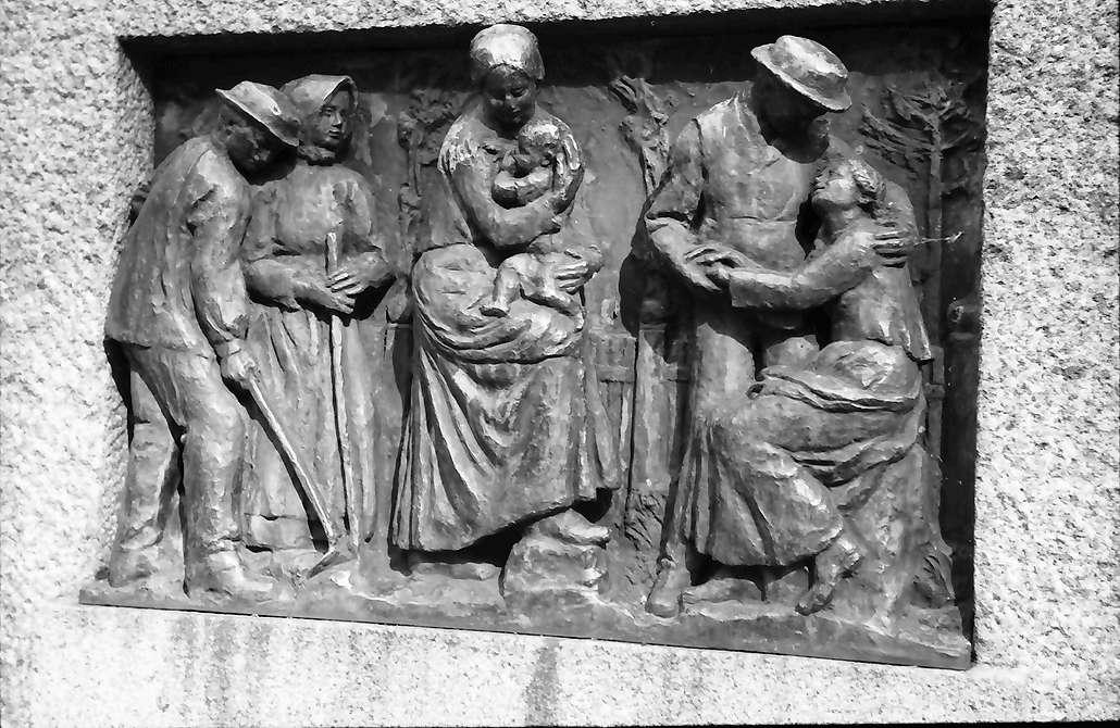 Lörrach, Tüllingen: Relieftafel am Hebeldenkmal, Bild 1