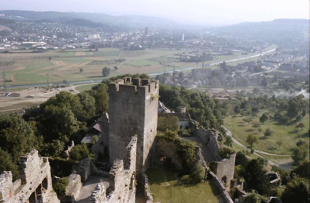 Rötteln: Vom Bergfried, Panorama mit Turm, Bild 1