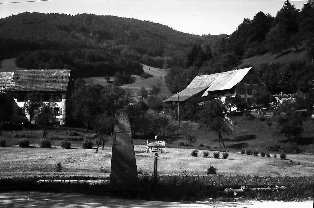 Endenburg: Gedenkstein, Bild 1