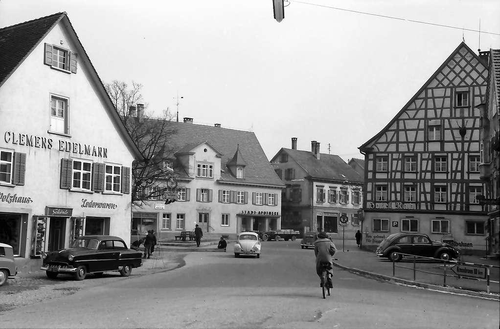 Tettnang: Straße mit Fachwerkhaus, Bild 1