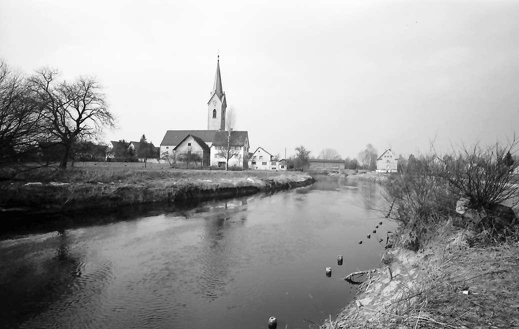 Eriskirch: Fluss Schussen mit Ort, Bild 1