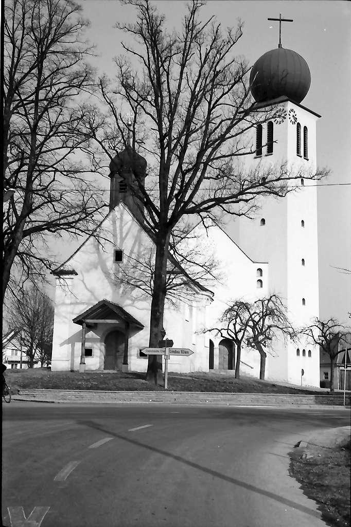 Kressbronn: Neue Kirche und Kapelle, Bild 1