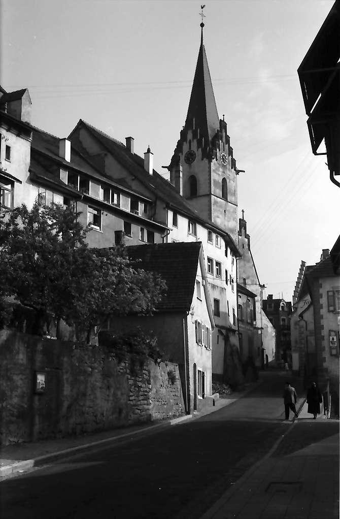 Engen: Gasse und Kirche, Bild 1