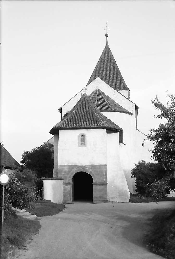 Oberzell: Portal zur Kirche, Bild 1