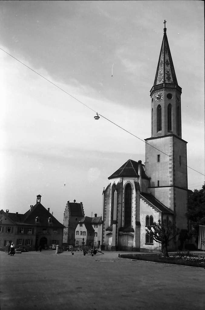 Markdorf: Marktplatz mit Kirche, Bild 1