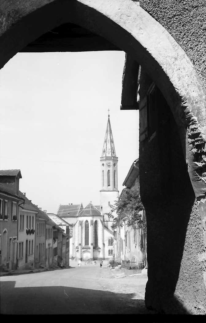 Markdorf: Oberes Tor und Kirche, Bild 1