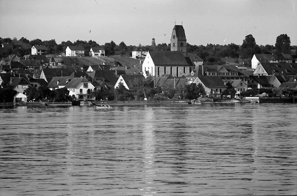 Hagnau: Blick vom See auf Hagnau, Bild 1