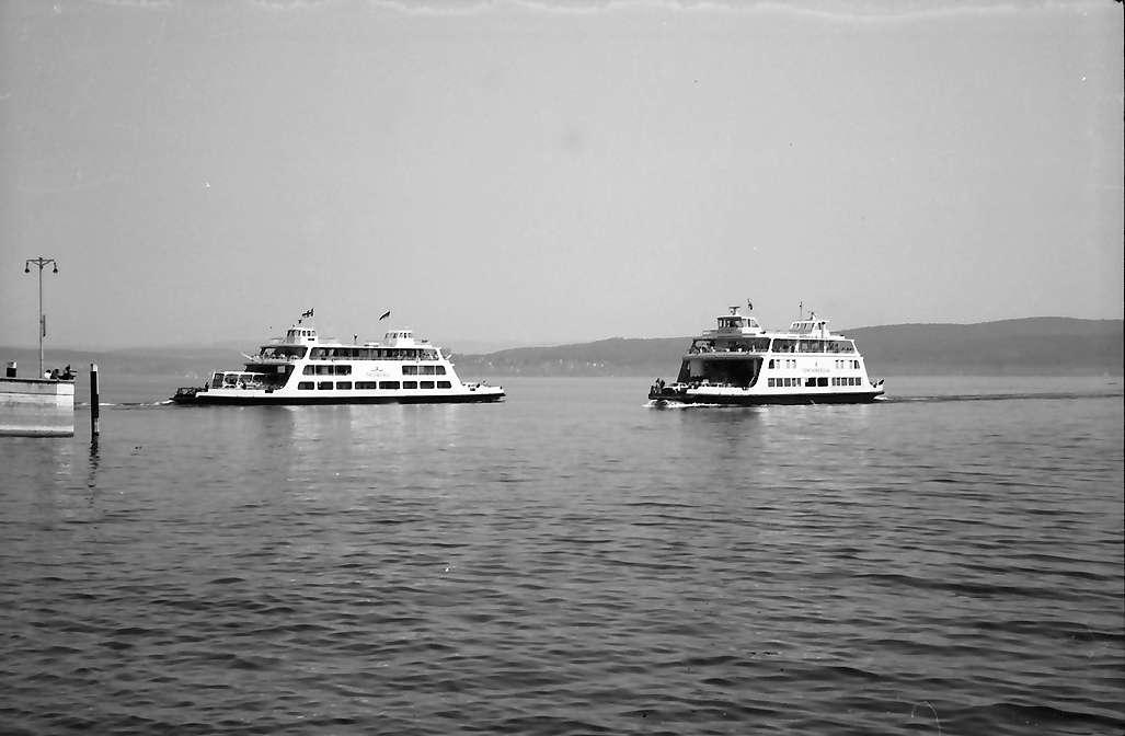Staad: Zwei Autofähren begegnen sich, Bild 1