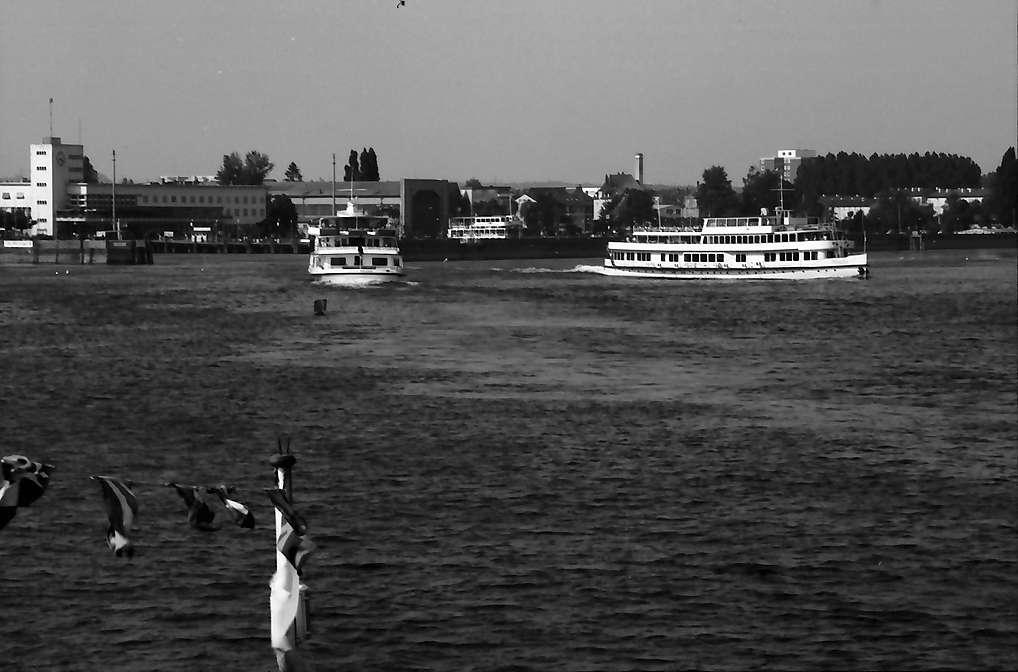 Friedrichshafen: DB Schiff am und im Hafen, Bild 1