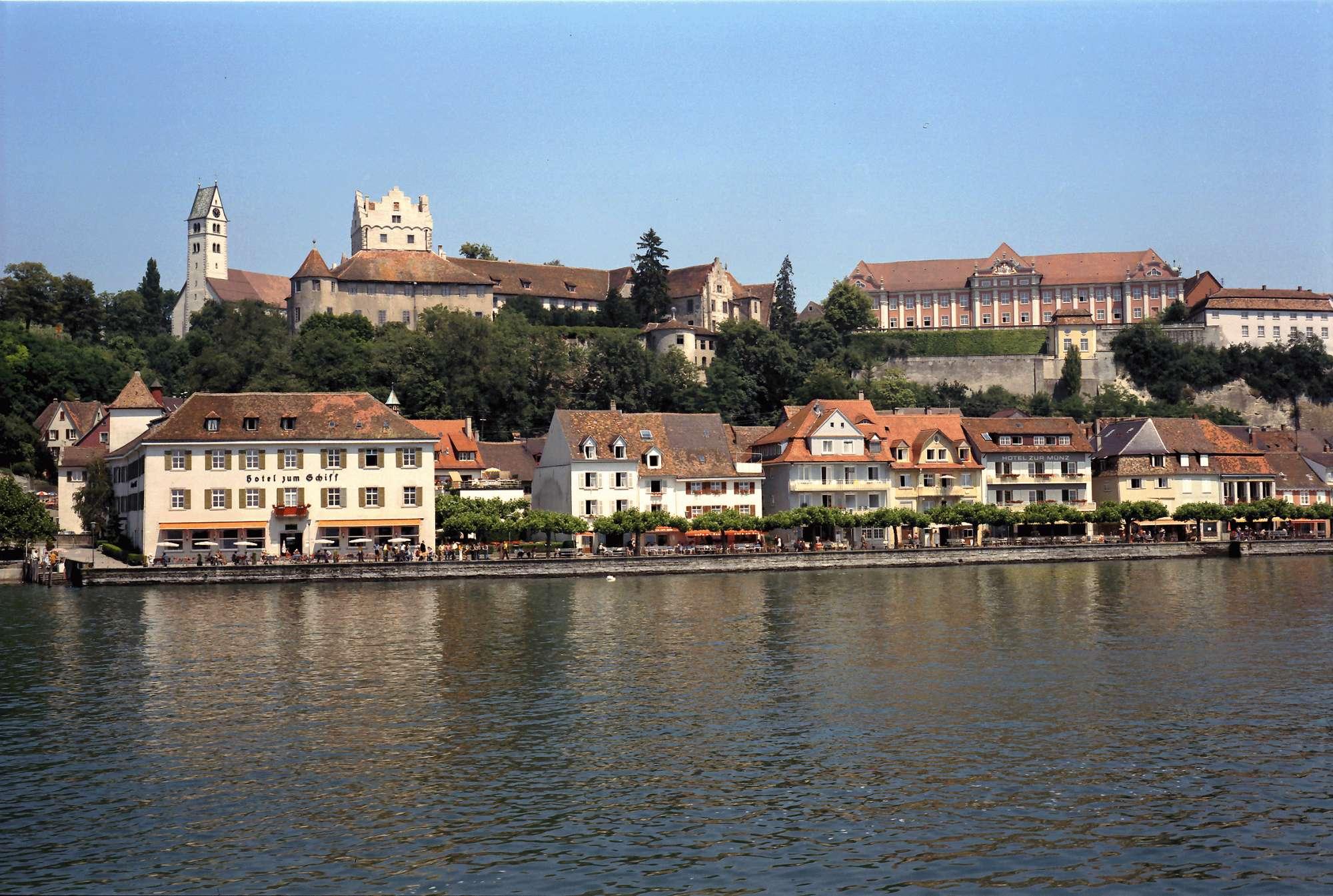 Meersburg: Vom See auf Kaipromenade und Schloss, Bild 1