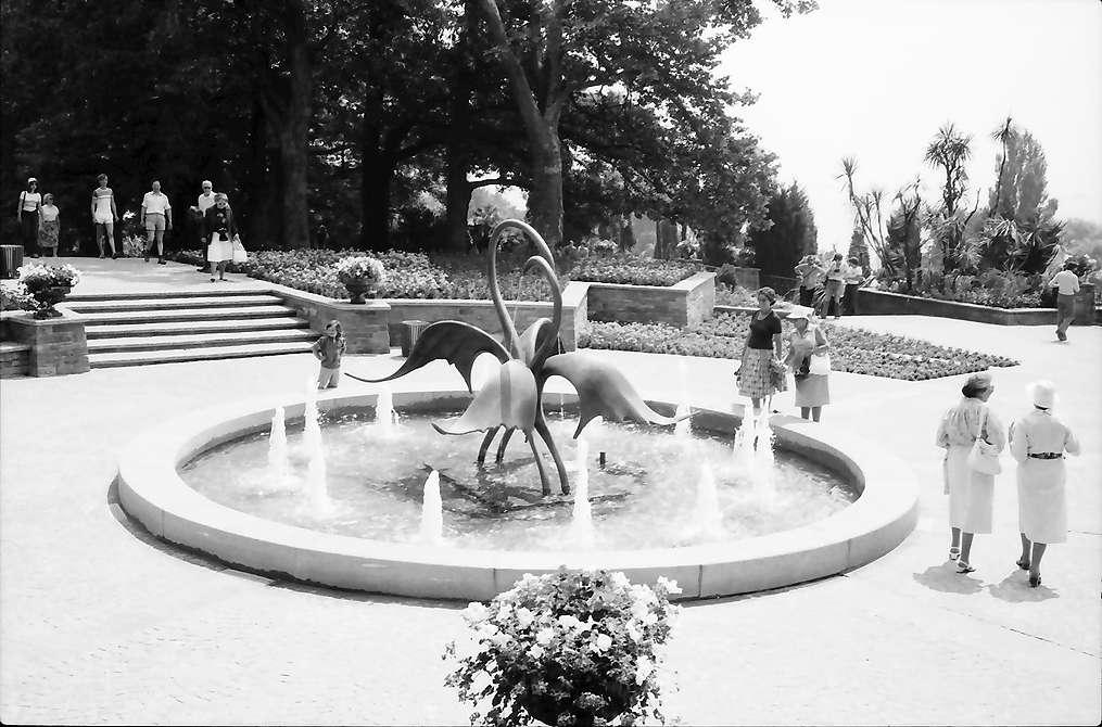Mainau, Insel Mainau: Neuer Brunnen mit Vogel-Allegorie, Bild 1
