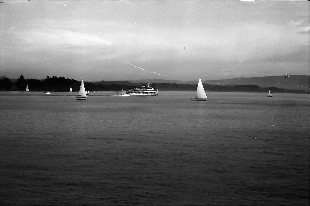 Mainau, Insel Mainau: Weiter Seeblick, mit Booten, Bild 1