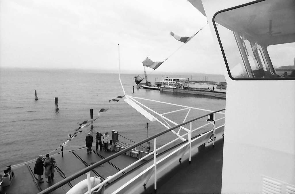 """Kressbronn: Stapellauf Fährschiff M.S. Friedrichshafen, Autoplattform mit Ausblick auf alte """"Schussen"""", von der Kommandobrücke, Bild 1"""