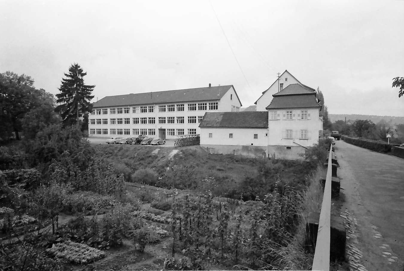 Gernsbach: 1. Papiermacherschule in der Gewerbeschule; Hofansicht, Bild 1