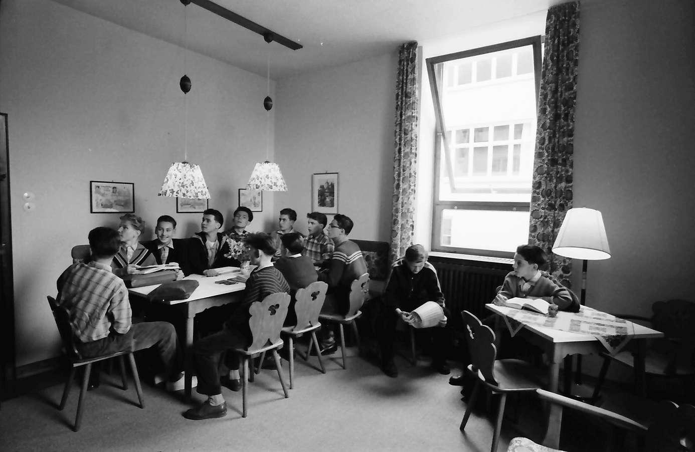 Gernsbach 1 Papiermacherschule in der Gewerbeschule; Internat für ...