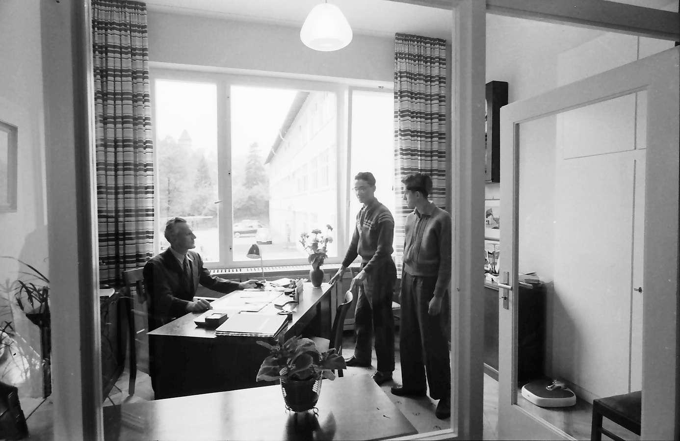 Gernsbach: 1. Papiermacherschule in der Gewerbeschule; Internat für Papiermacher Anlernlinge, Anmeldung, Bild 1