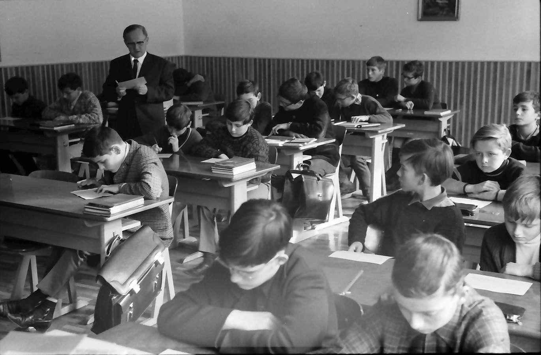 St. Blasien: Lateinunterricht in der 6. Klasse, Bild 1