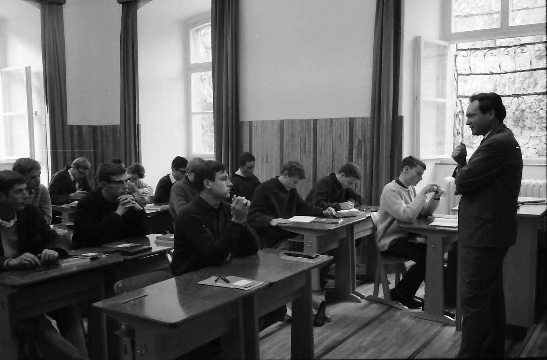 St. Blasien: Wirtschaftskunde in der 11. Klasse, Bild 1