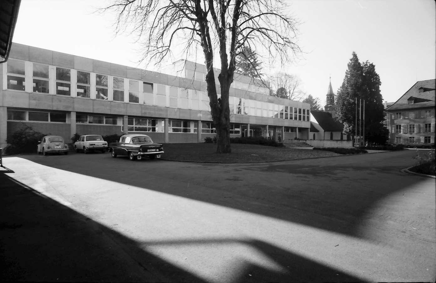 Stegen: Gymnasium, Hauptfassade von Nordost, Bild 1