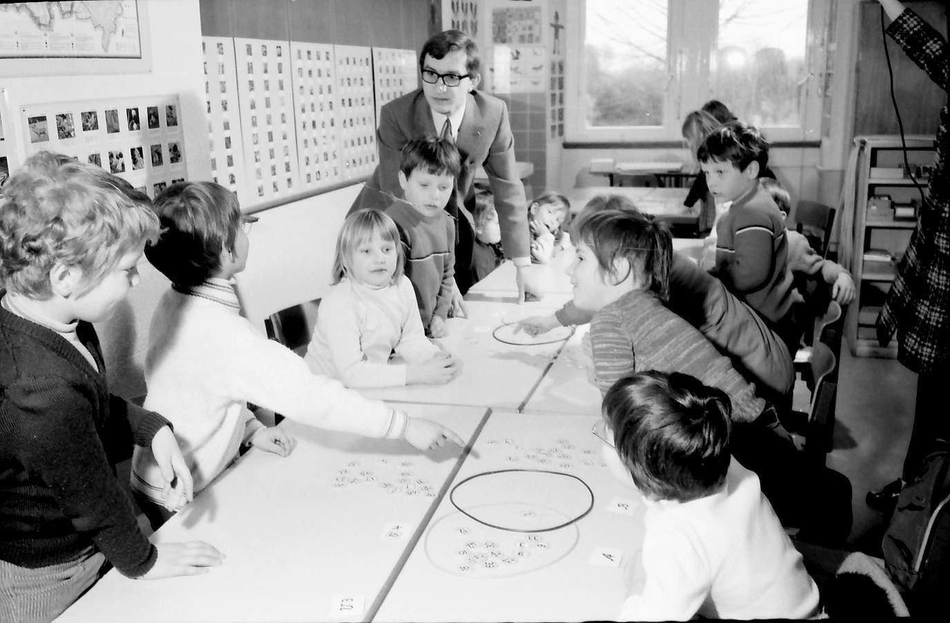 Denzlingen: Grundschule; Zweitklässlerunterricht, Bild 1