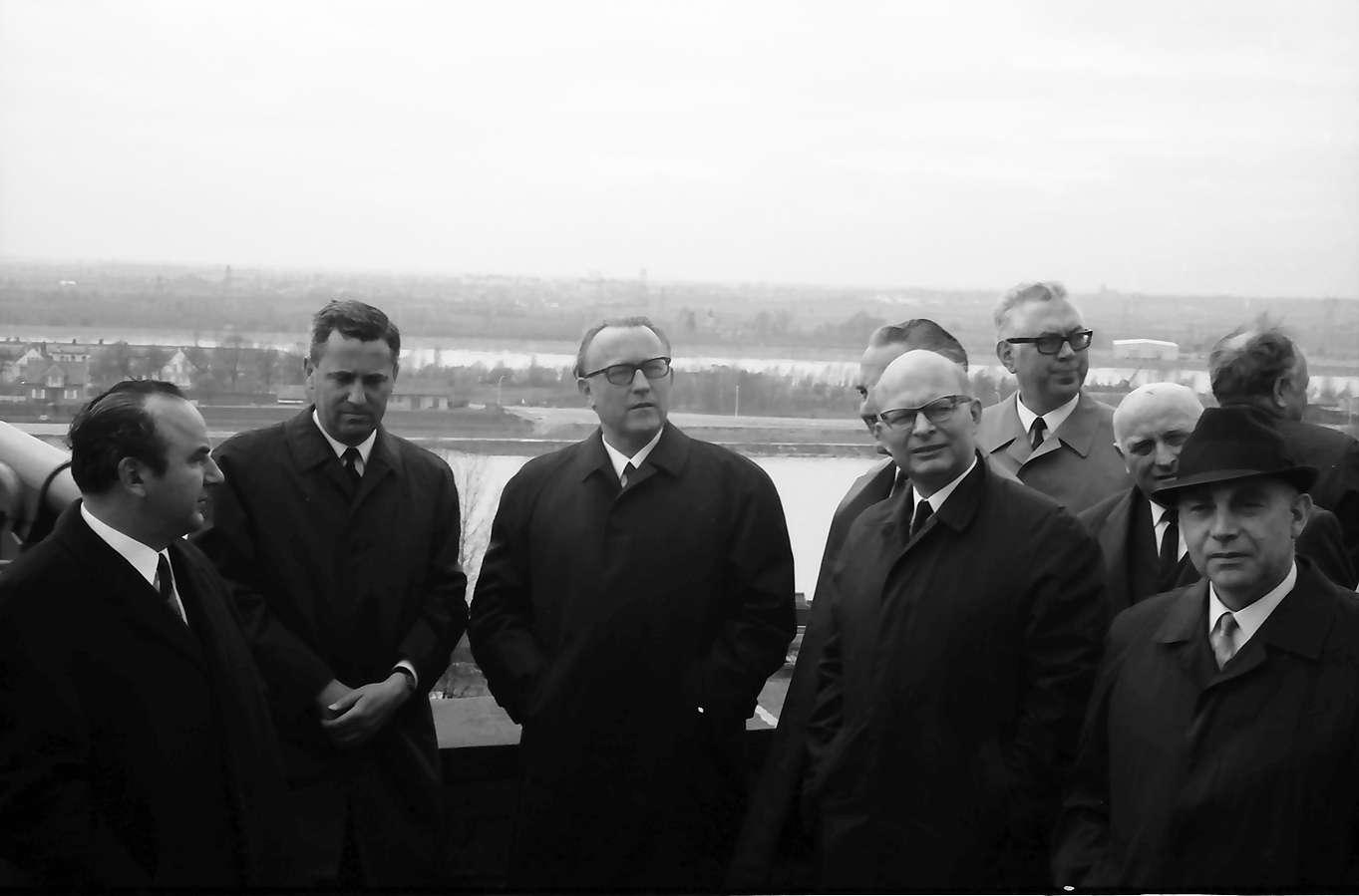 Breisach: EWG Kommission; Gruppe auf dem Münsterberg, Bild 1