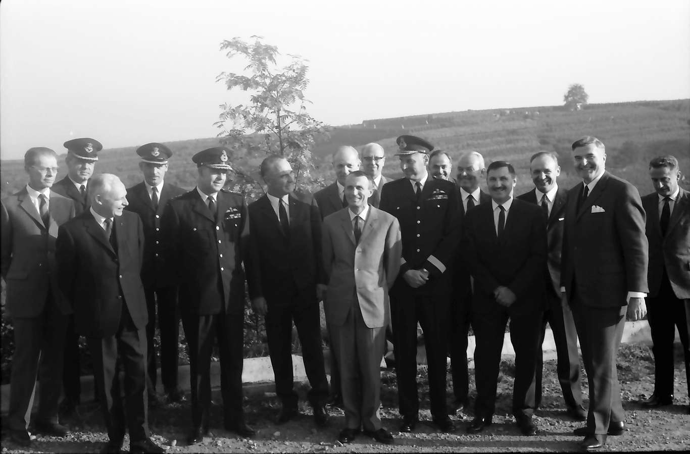 Ihringen; Blankenhornsberg: Kleines NATO Treffen; große Gruppe, Bild 1