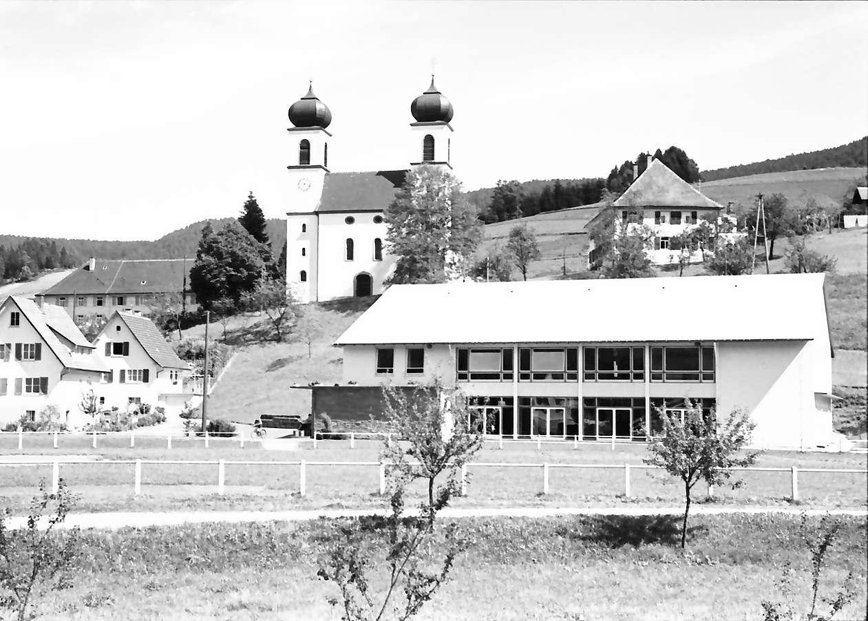 Schapbach: Schule und [Gemeindehalle/Festhalle], Bild 1