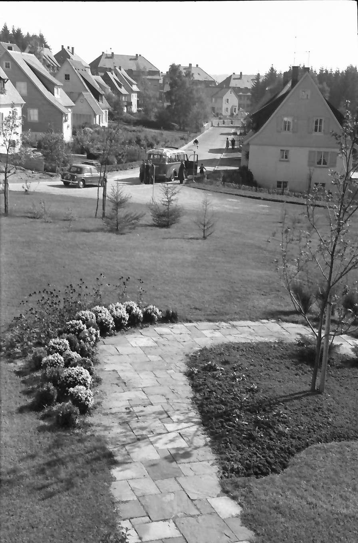 St. Georgen (Schwarzwald): Ausblick vom Krankenhaus auf Siedlung, Bild 1