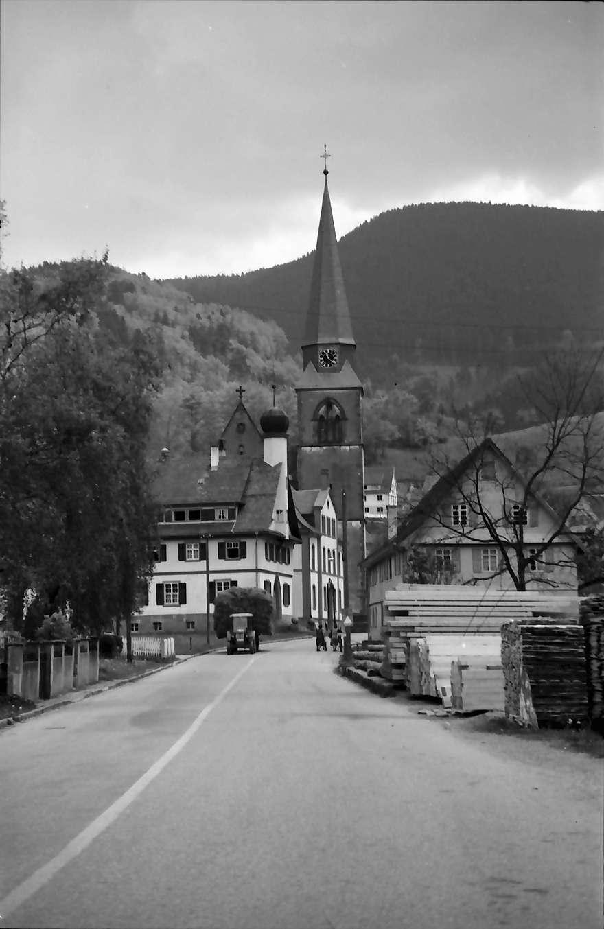 Bad Griesbach: Bad Griesbach mit Kirche und Straße, Bild 1