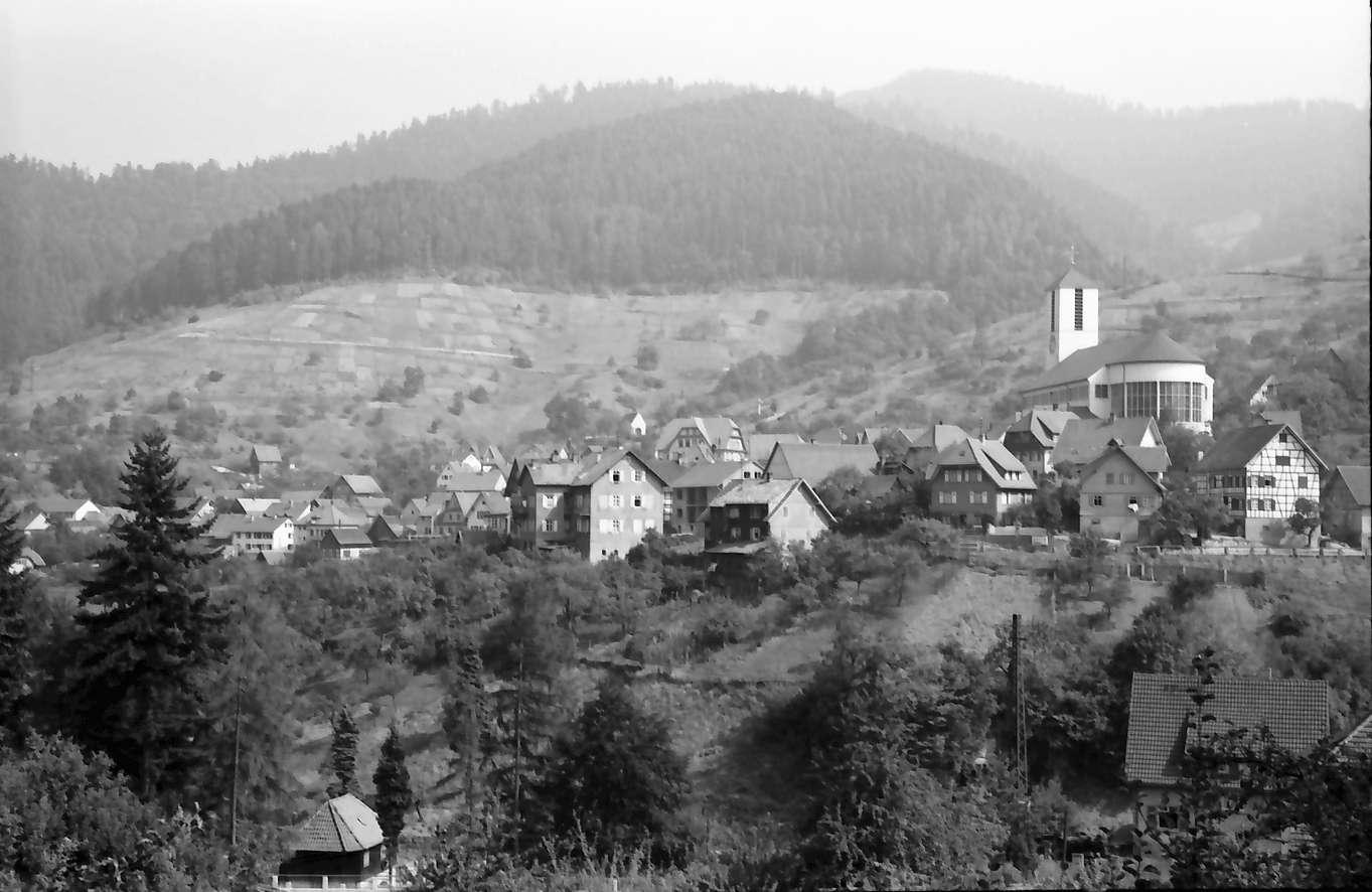Forbach: Gesamtansicht des Ortes vom Kirchberg, Bild 1