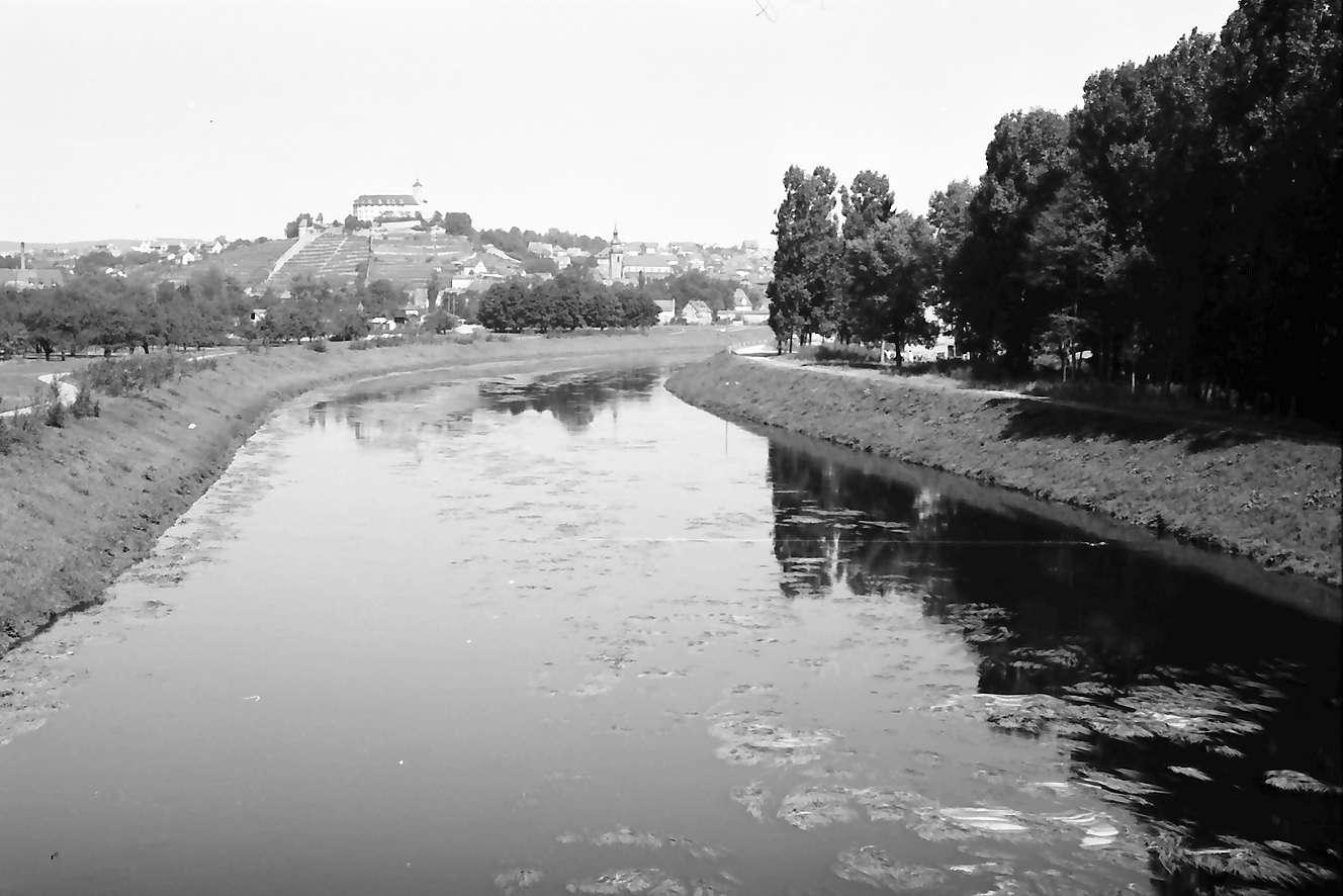 Vaihingen (Enz): Enz von der Brücke (Umgehungsstraße) auf Schloss, Bild 1