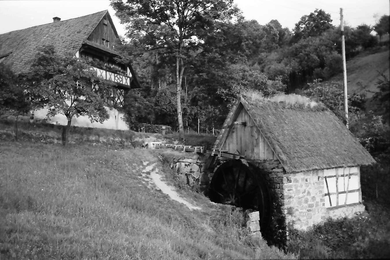 Sasbachwalden: Alte Mühle mit Schwarzwaldhof, von unten, Bild 1
