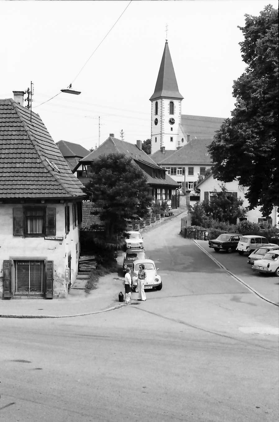 Zell am Harmersbach: Straße mit Wallfahrtskirche, Maria zu den Ketten, Bild 1