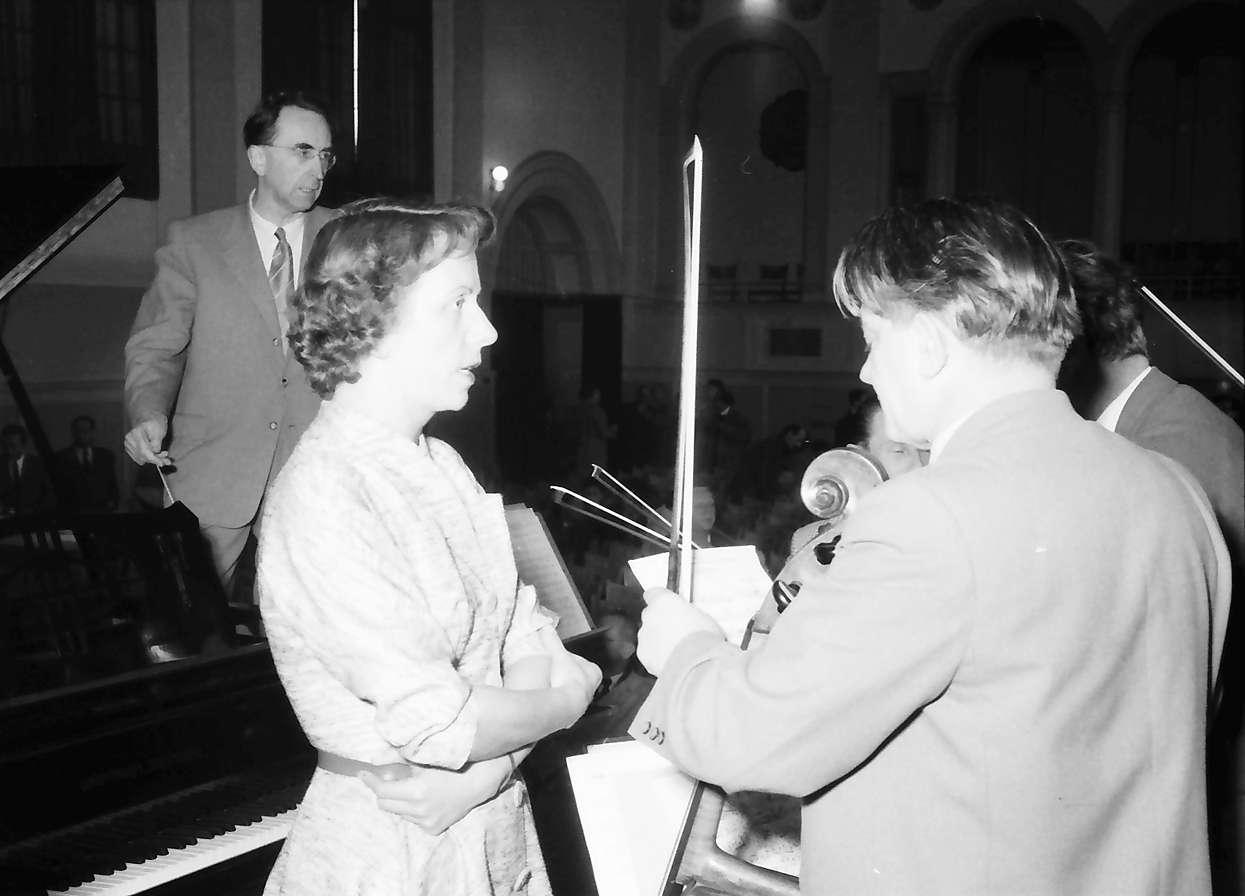Donaueschingen: Donaueschinger Musiktage; Hans Rosbaud - Maria Bergmann und ..., Bild 1