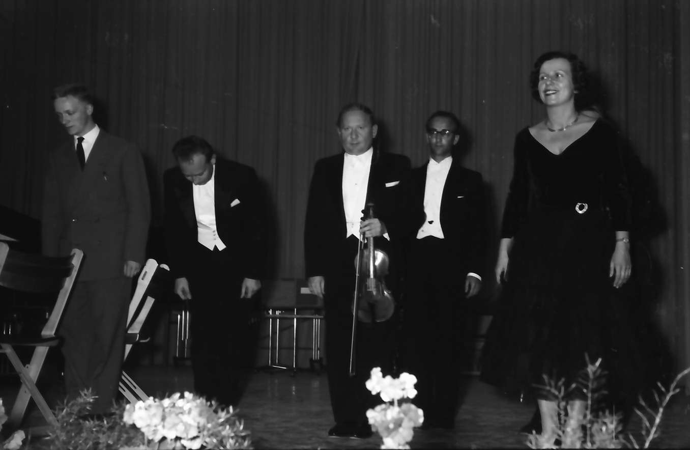 Donaueschingen: Donaueschinger Musiktage; Henry Pousseur (Belgien) - Hans Rosbaud und Südwestfunksolisten, Bild 1