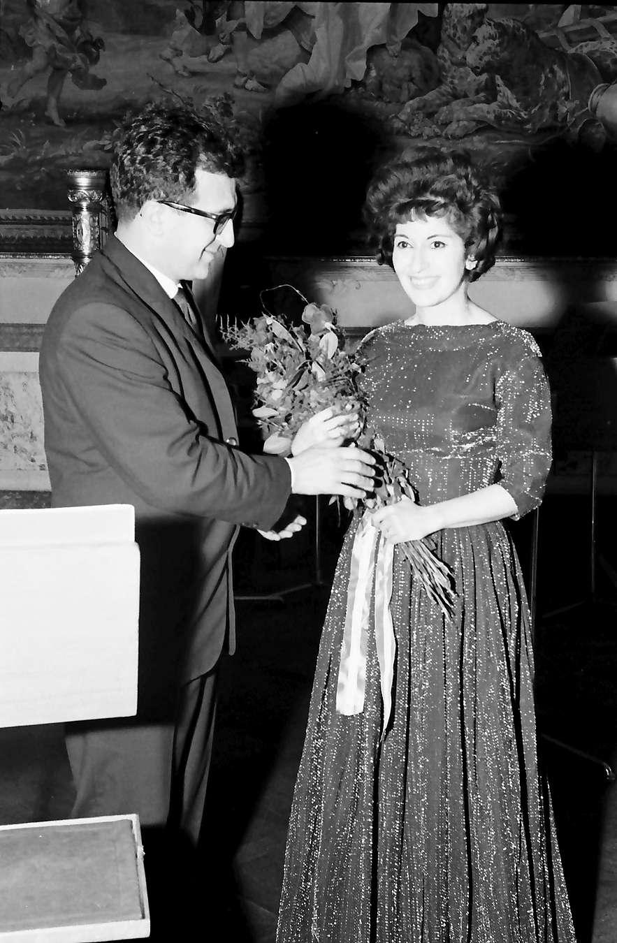 Donaueschingen: Donaueschinger Musiktage; Cathy Berberian mit ihrem Mann (Berio), Bild 1