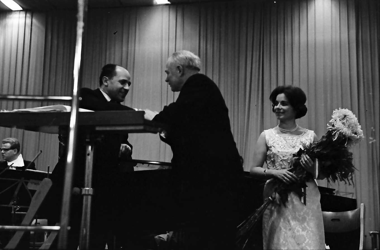 Donaueschingen: Donaueschinger Musiktage; Stadthalle; Eva Maria Rogner, Pierre Boulez, Bild 1