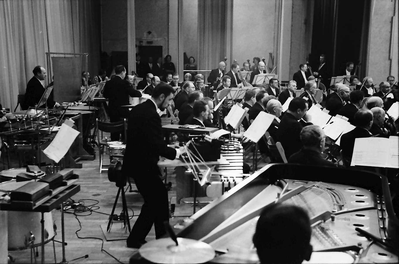 "Donaueschingen: Donaueschinger Musiktage; Stadthalle; Fluorescences pour Orchestre; Krysztof Penderecki; Blick in die ""Radaugruppen"", Bild 1"