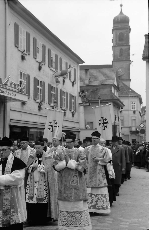 Bad Säckingen: Fridolinsfest; Prozession: Bischof, Bild 1