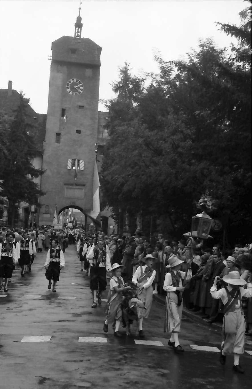 Waldshut: 489. Waldshuter Chilbi; Chilbibock kommt aus Oberem Tor, Bild 1